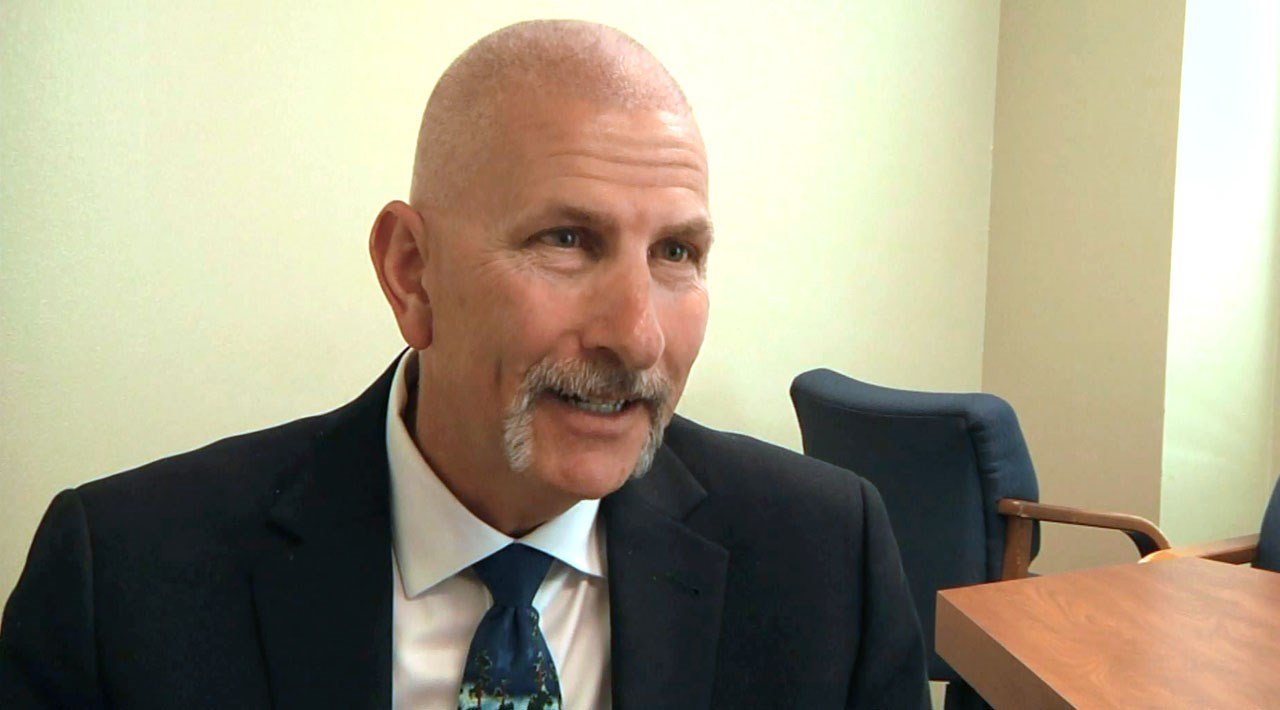 Durant educator Jon Hazell says Oklahoma lawmakers need to increase funding to public schools. (KTEN)