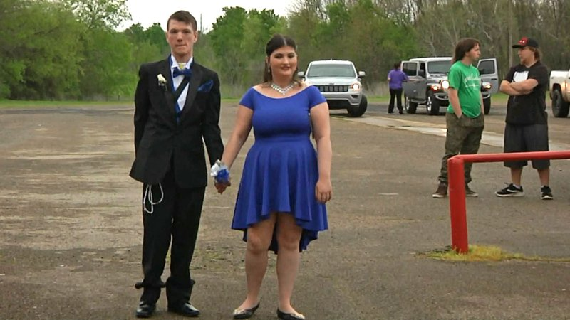 Zoe Colquitt and Bradford Greer arrive for the Hugo High School prom on April 6, 2019. (KTEN)