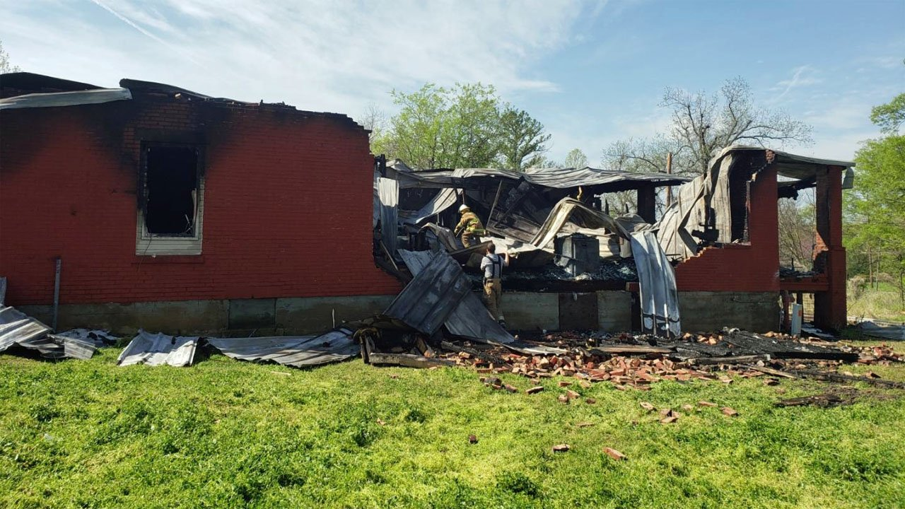 A fire on April 7, 2019 caused extensive damage at a Hugo apartment complex. (KTEN)
