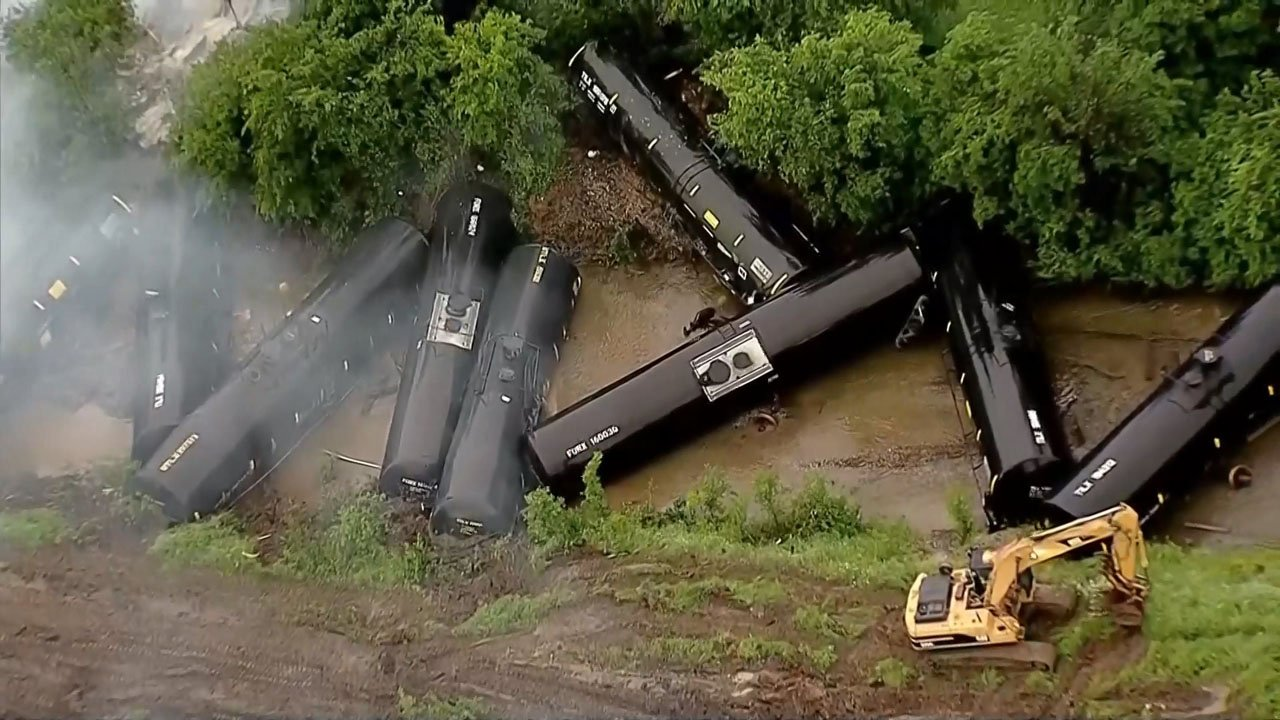 Multiple tanker cars carrying ethanol derailed in Fort Worth on April 24, 2019. (KXAS)
