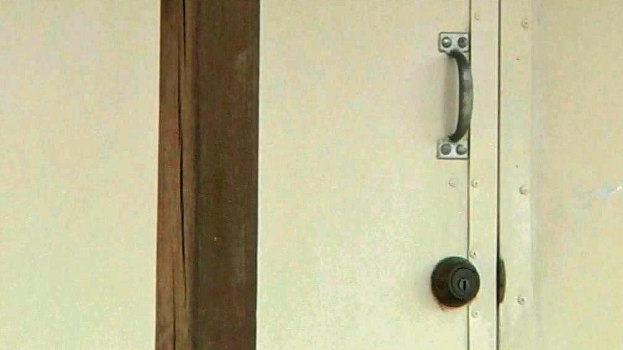 Marshall County deputies are investigating more than a dozen burglary cases. (KTEN)