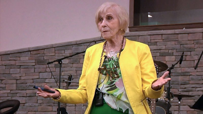 Holocaust survivor Rachel Miller addressed students and adults in Madill on May 8, 2019. (KTEN)