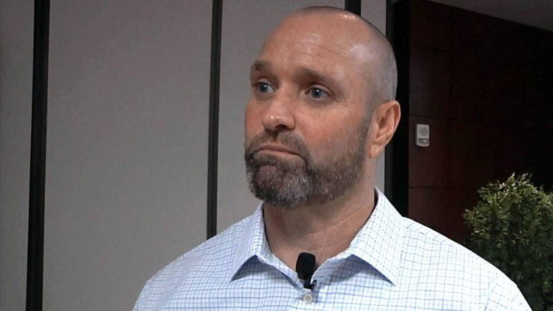 Brian Paul, founder of Veterans 4 Life USA, shared his personal story at ECU. (KTEN)