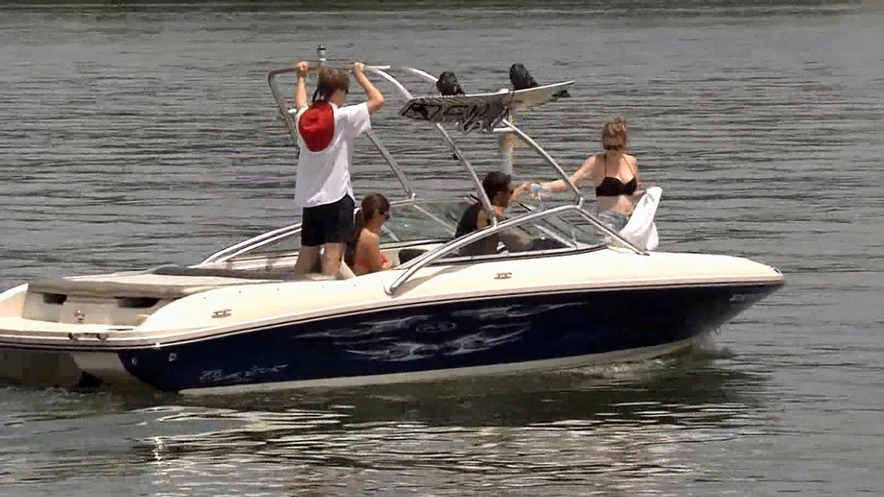 Officials stress safe boating tips for the busy Memorial Day weekend. (KTEN)