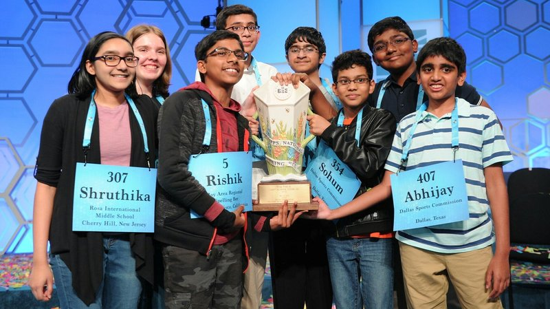 The 8 co-champions of the 2019 Scripps National Spelling Bee. (Mark Bowen/Scripps National Spelling Bee)