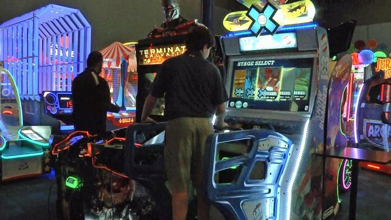 The arcade at Schulman's Movie Bowl Grille in Sherman. (KTEN)