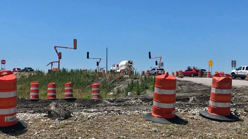 Drivers on US 75 should brace for big delays on Friday night and Saturday. (KTEN)