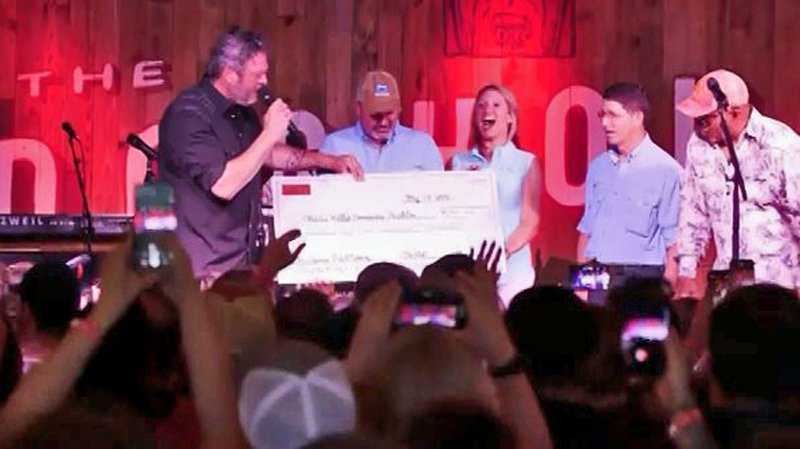 Blake Shelton presented a $144,500 check to the Oklahoma Wildlife Conservation Foundation. (KTEN)