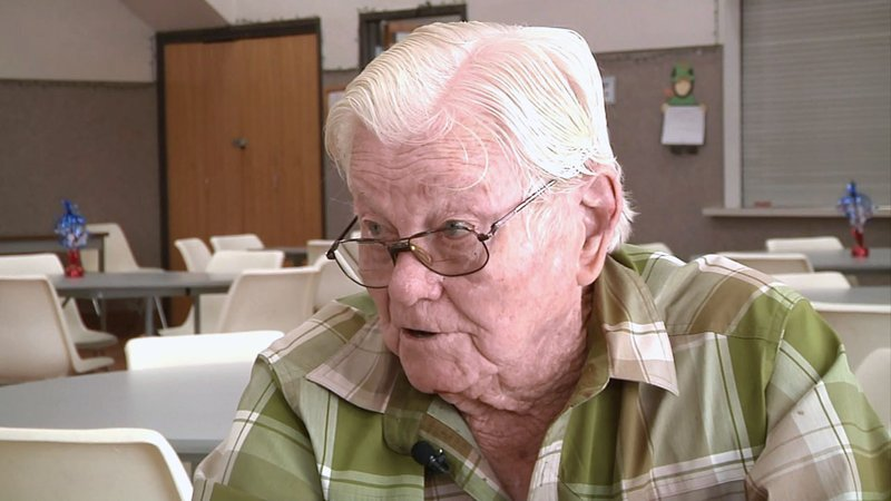 Now 95, Mugg Pawless talks about the role he played in the D-Day invasion on June 6, 1944. (KTEN)
