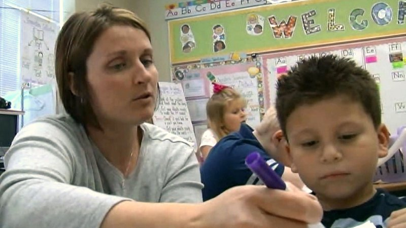 House Bill 3 gives Texas teachers a pay hike. (KTEN)