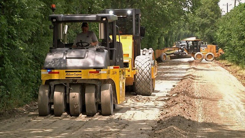 A new road construction technique is being tested on Hynds Ranch Road in Van Alstyne. (KTEN)