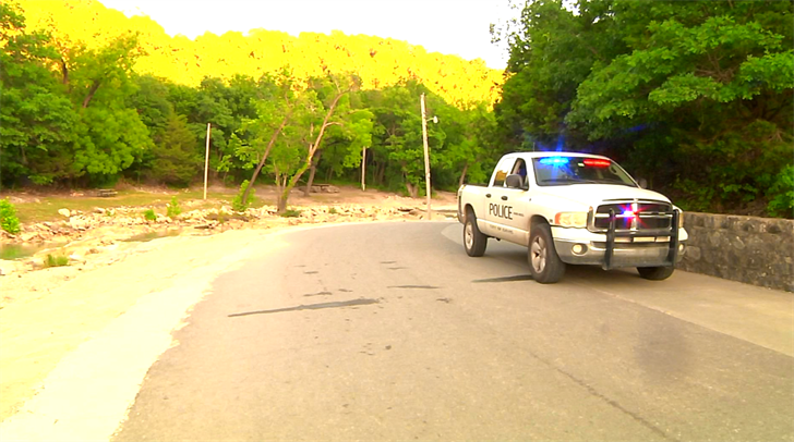 One woman drowns at Turner Falls