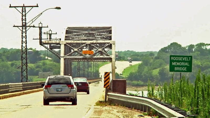 A routine inspection slowed traffic on the Roosevelt Memorial  Bridge. (KTEN)