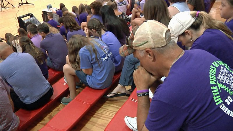 Prayers were offered for the safe return of Emma Stokes at Texoma Christian School in Sherman. (KTEN)