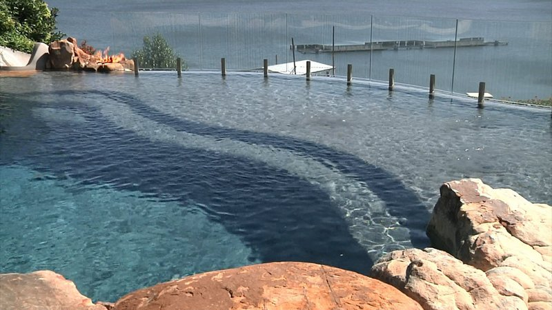 "This pool on Lake Texoma has a ""negative edge"" bordering the lake. (KTEN)"