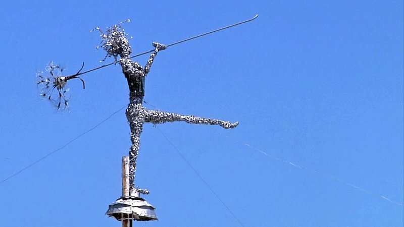 """Meet the Day"" is a sculpture by Ardmore artist Robert Smartt. (KTEN)"