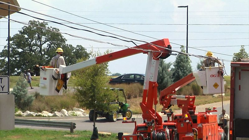 A delivery truck snagged a low-hanging power line at Lake Murray State Park. (KTEN)