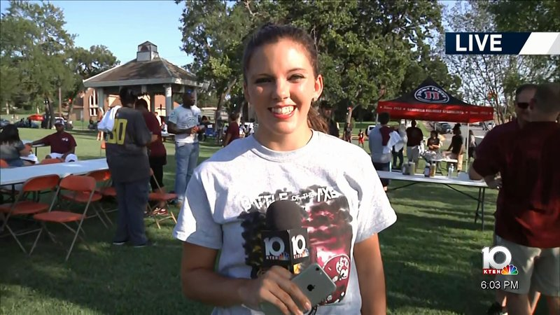KTEN's Brittany Breeding reports from the Battle of the Ax pep rally in Sherman. (KTEN)