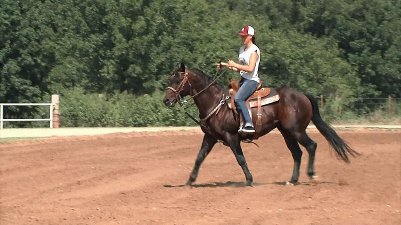 Practicing before opening night at the Savage Storm Intercollegiate Rodeo in Durant. (KTEN)