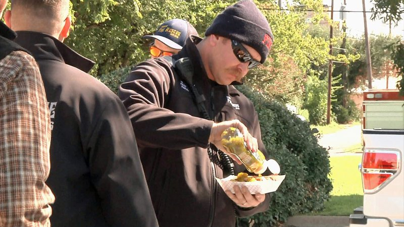 First responders enjoyed a free lunch in Denison on Friday. (KTEN)