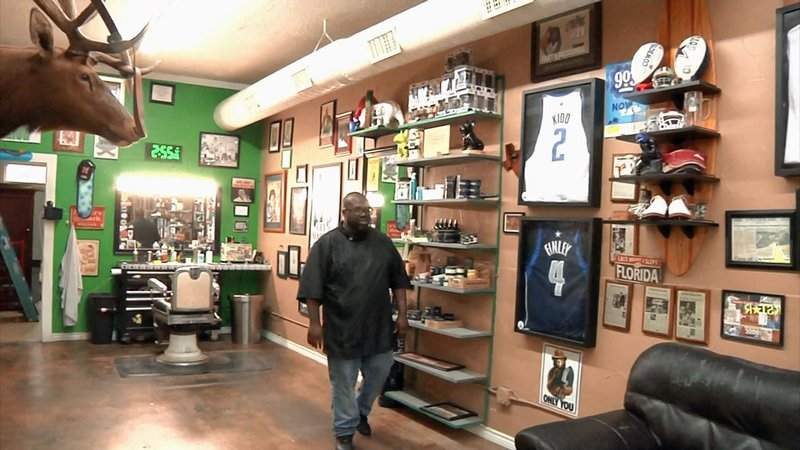 Fellas Men's Hair in Sherman has plans to open a cigar lounge in a back room. (KTEN)