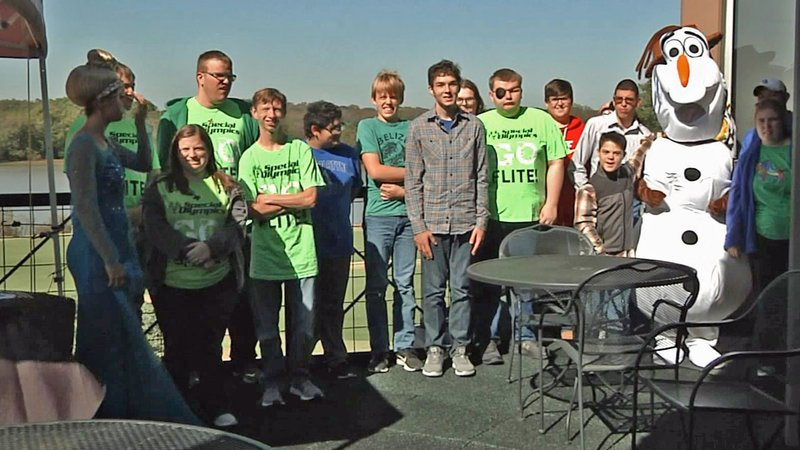 The Ultimate Fan Tournament raised funds for Special Olympics in Van Alstyne. (KTEN)