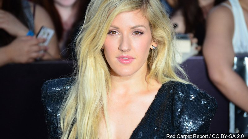 Ellie Goulding said she's having second thoughts about performing at the Dallas Cowboys' Thanksgiving halftime show.