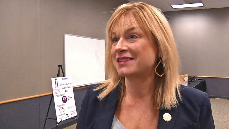 Oklahoma Labor Commissioner Leslie Osborn met with Ardmore business leaders on December 5, 2019. (KTEN)