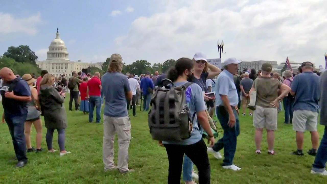 Several hundred attend DC rally supporting insurrectionists